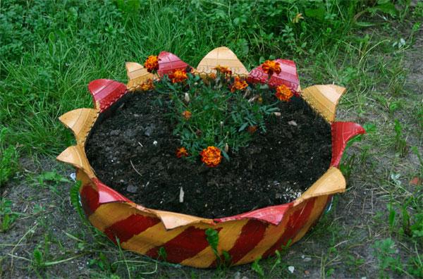 клумба для цветов из покрышек