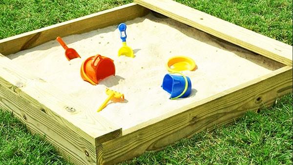 сделать детскую песочницу