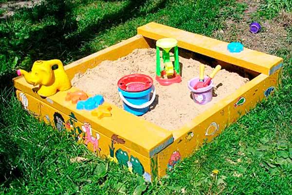 сделать песочницу на даче