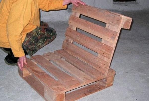 кресло из паллет фото