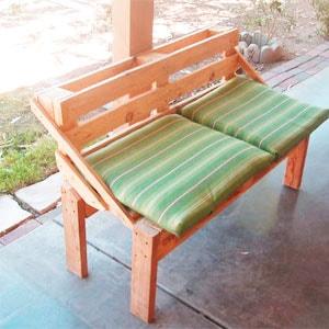 скамейка из поддонов