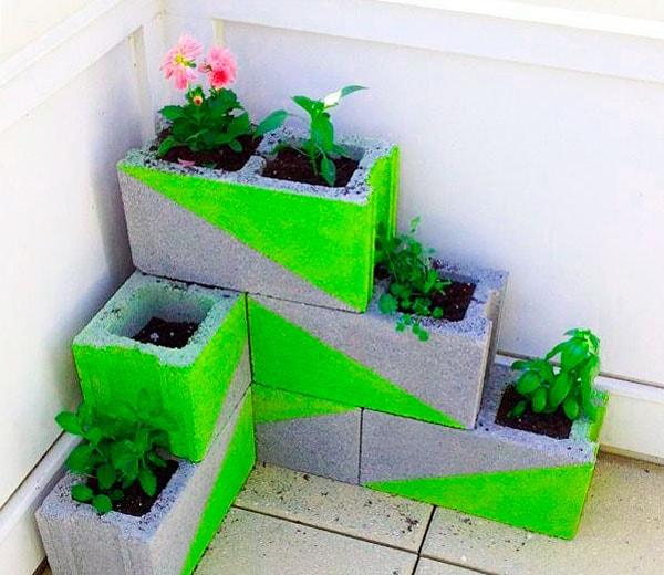 сделать клумбу из бетона