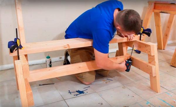 как сделать простую скамейку из древесины