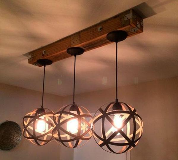 svetilnik-iz-drevesinu-foto