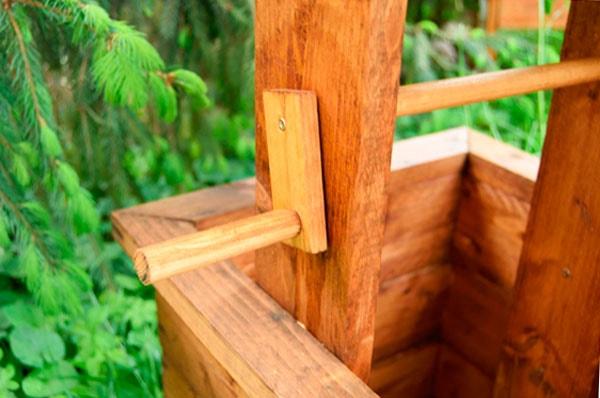 декоративный колодец в саду