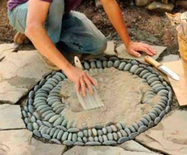 мозаика из натуральной гальки