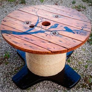 стол из катушки