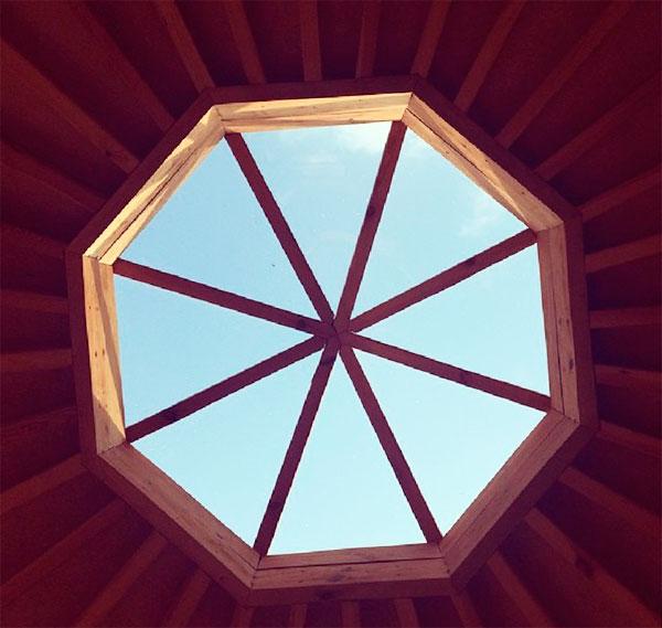 крыша для беседки с окном