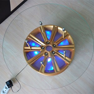 стол из автомобильного диска