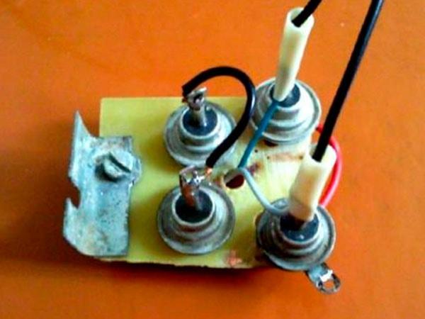 самодельное зарядное для автомобильной батареи