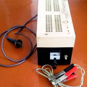 зарядное устройство для авто аккумулятора