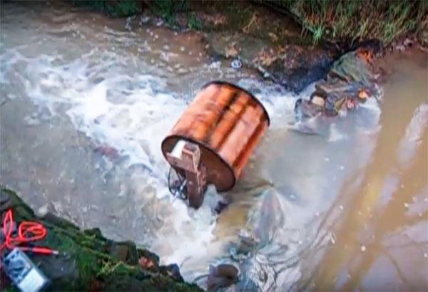 водная турбина в работе