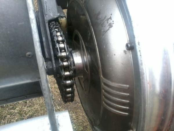самодельный ветрогенератор из мотор-колеса