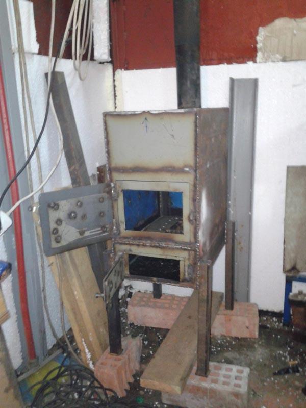 печь дровяная самодельная для гаража