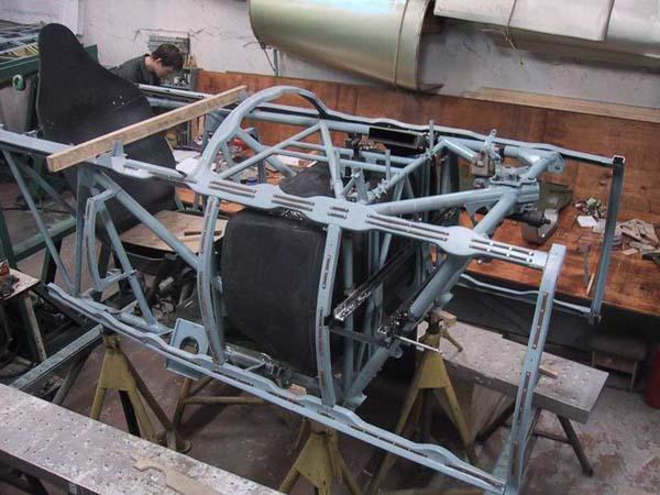 реставрация самолёта миг