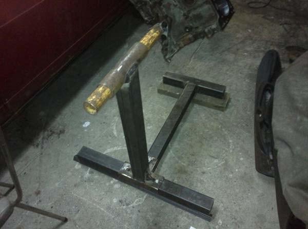 приспособление для ремонта двигателя