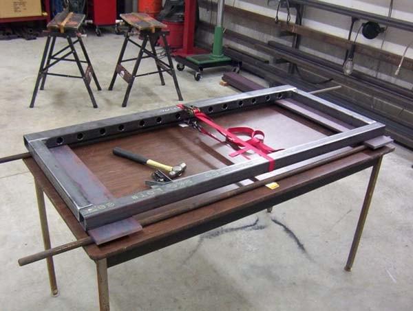 делаем стол для сварочных работ