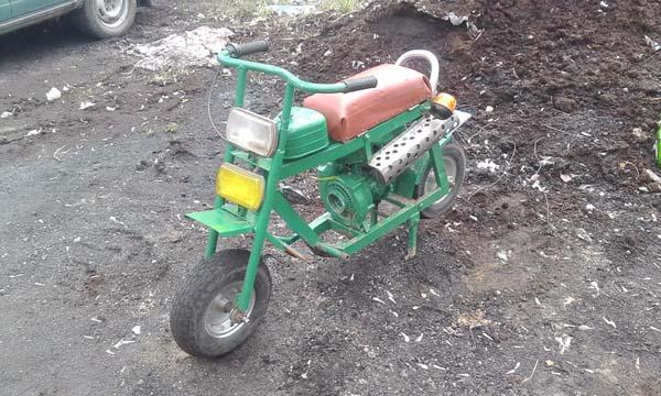 Самодельный мопед с двигателем бензопилы Дружба
