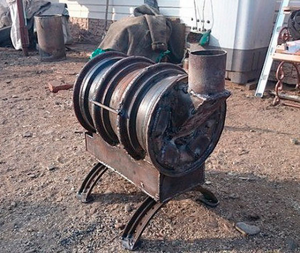 Печь буржуйка из колёсных дисков