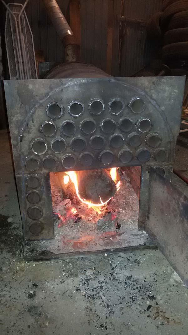 печь из металла для отопления гаража