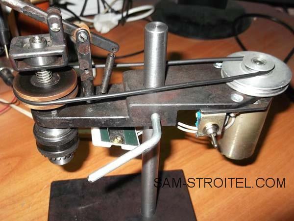 самодельный Сверлильный станок для печатных плат