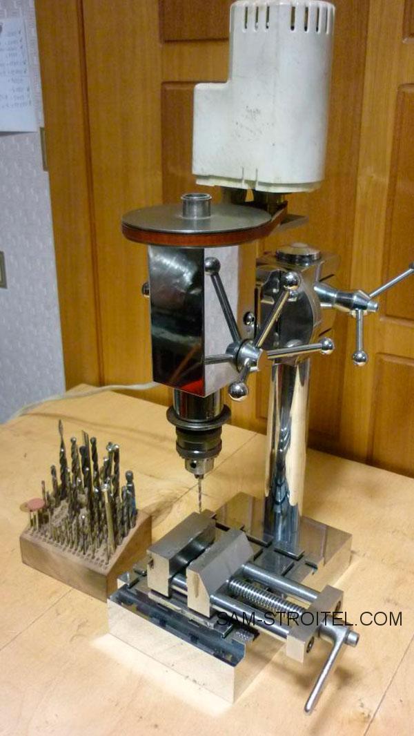 Сверлильный станок из двигателя швейной машинки