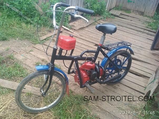 Велосипед с двигателем бензопилы