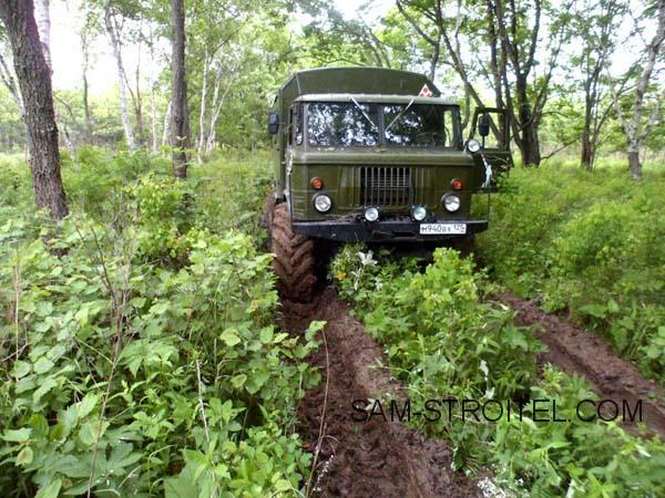 ГАЗ-66 с колёсами от трактора